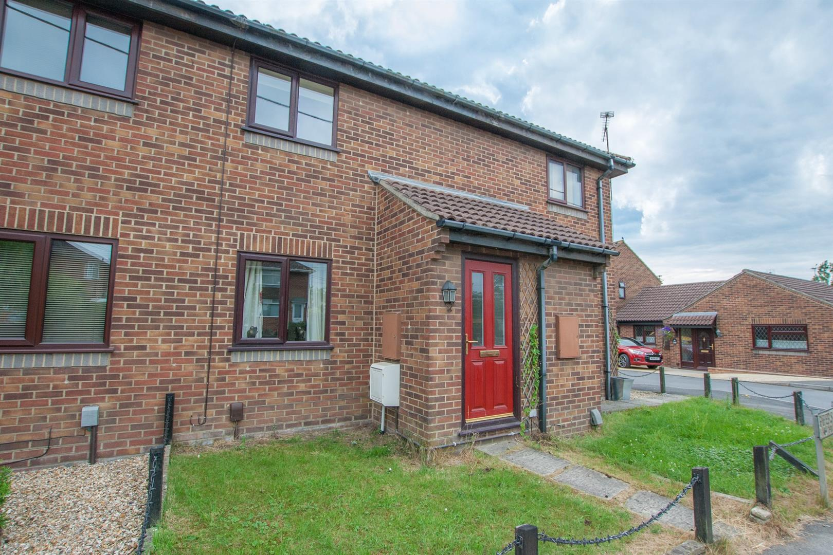 2 Bedrooms Property for sale in Pipers Close, Royal Wootton Bassett